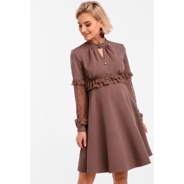Кофейное платье для беременных с завышенной талией